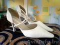 Продам туфли женские белого цвета, размер 38,39 (2 пары),б/у., Объявление #239747